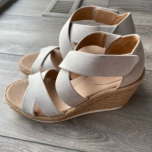 Dr. Scholl's Visitor Cross Strap Espadrille Wedge